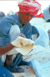 Bedouin bread being baked in the Desert (Emma Loveridge)